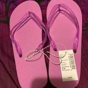 Girls purple flip flops